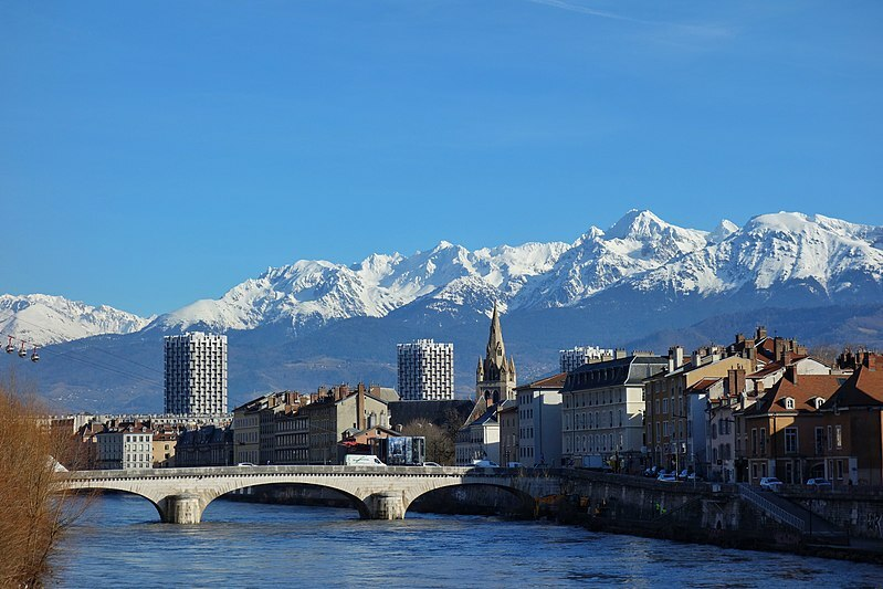 800px City of Grenoble libre de droit